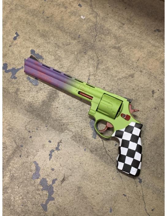 JOKER GUN JOKER REVOLVER BATMAN JOKER GUN